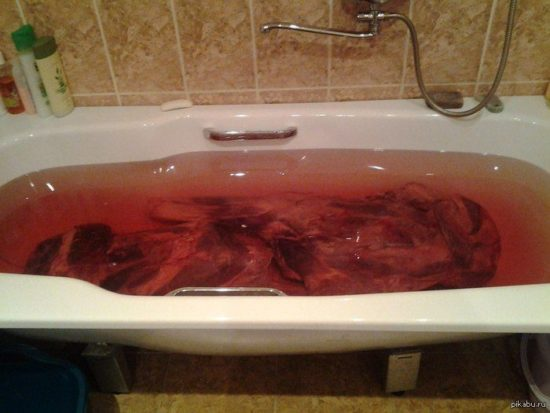 Ванна с раствором марганцовки