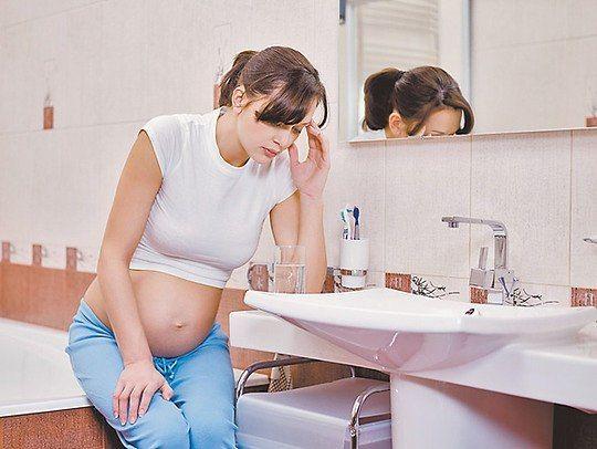 Во время беременности тошнит днем