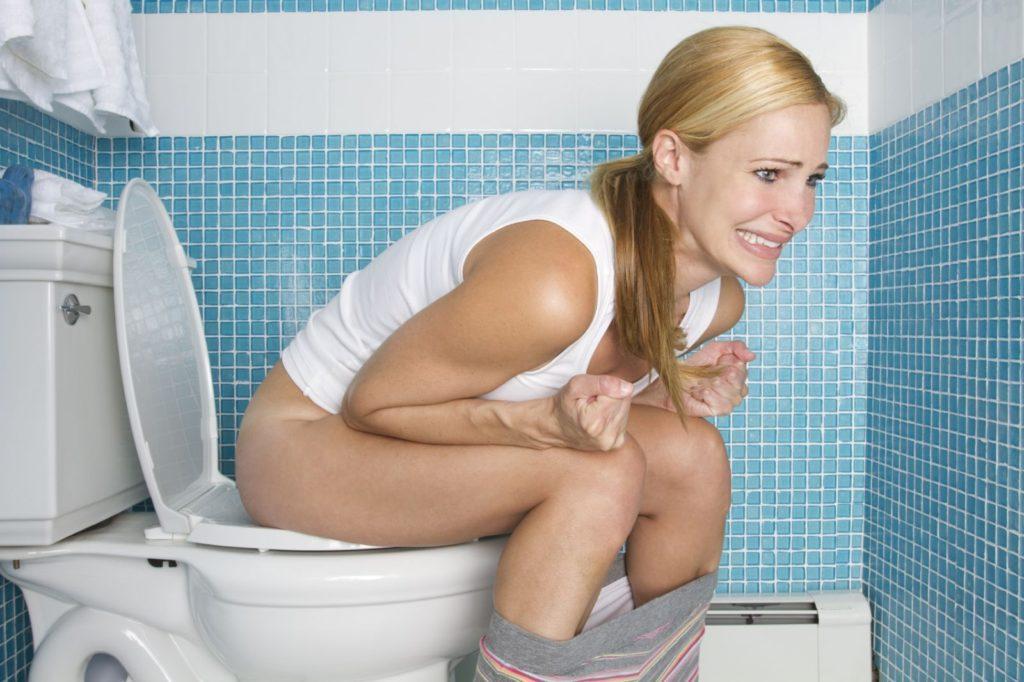 Как сходить в туалет при запоре в домашних условиях