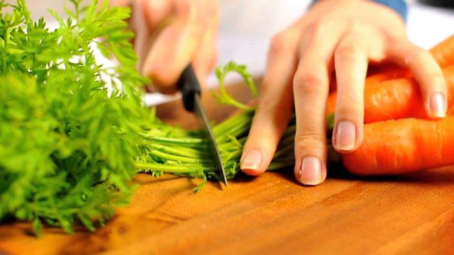 Заболевшему геморроем человеку необходимо кардинально увеличить количество применяемой моркови