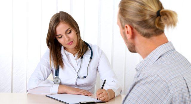 Представленный метод назначается специалистами больным с наличием геморроидальных узлов 3 и 4 степени