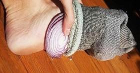 5 причин спать с луком в носках
