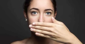 Как быстро избавиться от запаха чеснока изо рта