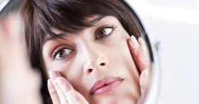 4 действия перед сном, которые помогут женщине сохранить  зрение до глубокой старости