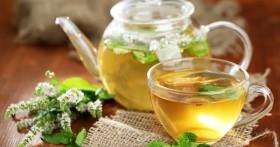 Чай вместо успокоительного: какие травы помогают восстановить нервную систему