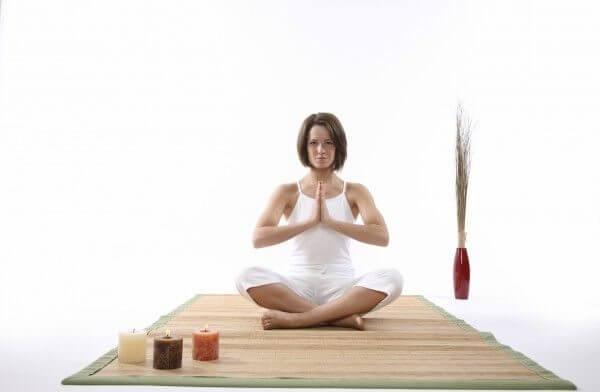 Как йога помогает при геморрое