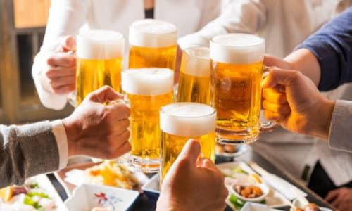 Алкоголь, как известно, вызывает сильное расширение сосудов, что еще более усугубляет ситуацию
