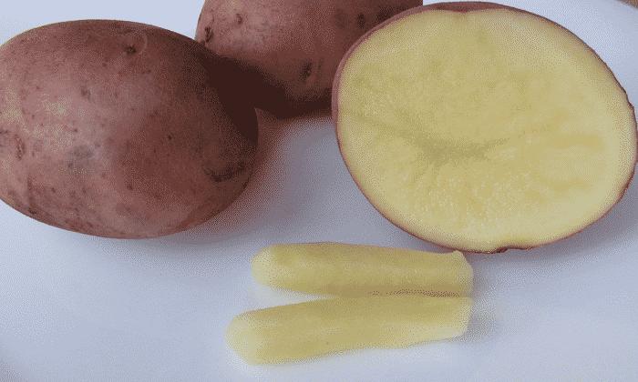 Свечи эффективны при внутреннем геморрое. Самый простой рецепт картофельных свечей: из клубня следует вырезать нужную по размеру