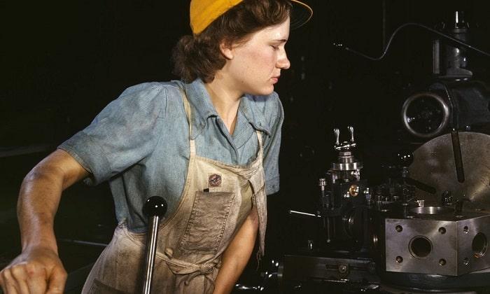 Внутренний геморрой у представительниц слабого пола развивается из-за тяжелого физического труда