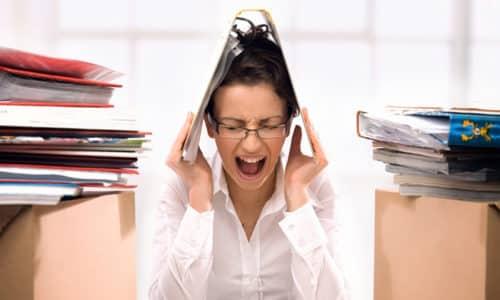 Появлению геморроидальных шишек может способствовать состояние постоянного стресса