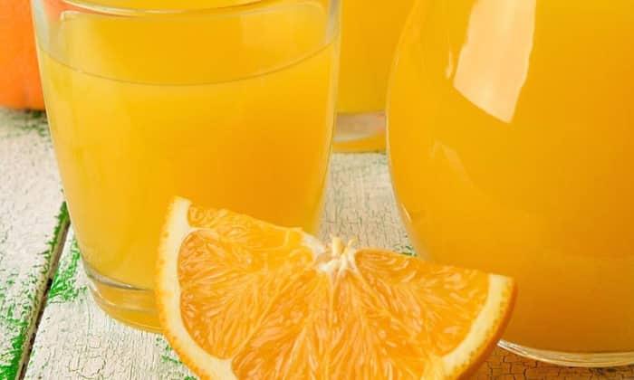 Можно приготовить коктейль из апельсинового сока и оливкого масла