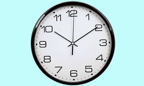 Длительность малоинвазивных операций не превышает 30-60 минут. Они выполняются под местным наркозом либо без наркоза