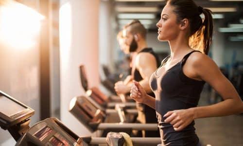 Активный спорт при геморрое в одних случаях может быть разрешен, в других будет находиться под запретом