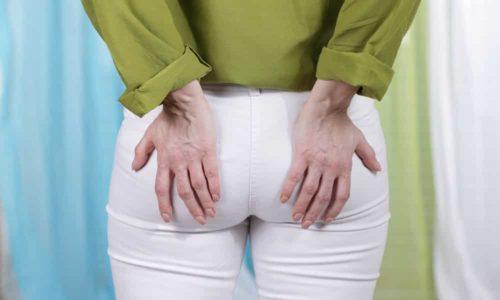 Хронический геморрой характеризуется двумя фазами протекания: ремиссией и обострением. В период обострения больного беспокоят боли и дискомфортные ощущения