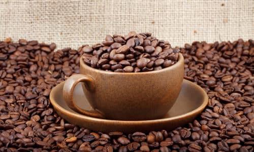 Употребление кофе при геморроях не запрещается категорически, лучше наслаждаться этим напитком без злоупотребления