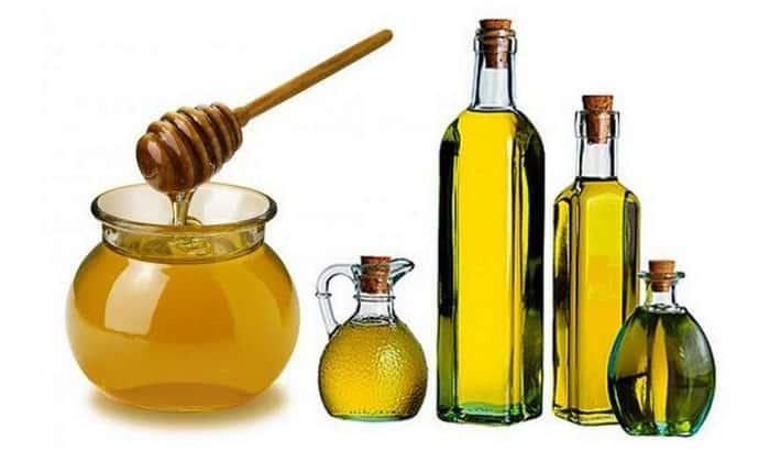 Другой вариант: смочить тампон смесью масла и меда, взятых в равном соотношении, и приложить к анальному отверстию