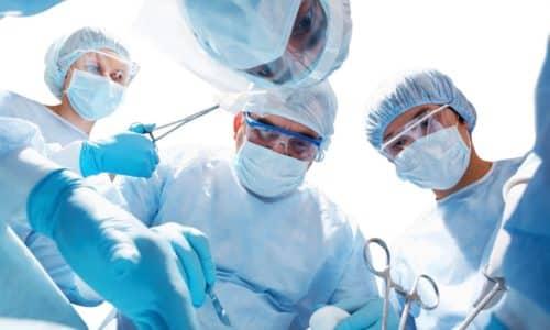 Хирургическое удаление внутреннего геморроя рекомендуется при крупных шишках и запущенной болезни
