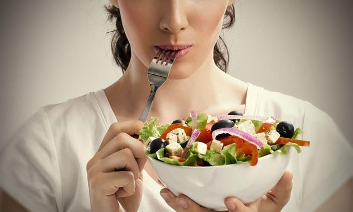 Для избежания заболевания необходимо придерживаться правильного питания