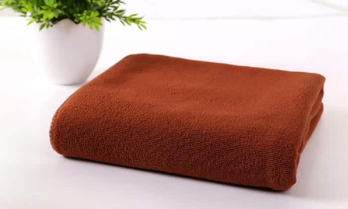 После водных процедур тщательно протрите промежность чистым полотенцем, после этого нанесите медикаментозное средство, прописанное врачом