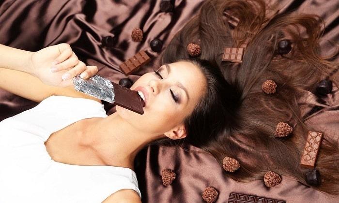 Кроме этого, следует устранить из рациона шоколад