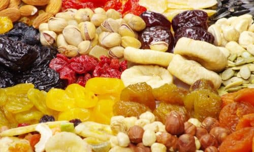 Рекомендуется употребление в пищу большого количества сухофруктов, способствующих пищеварению и усиливающих перистальтику кишечника