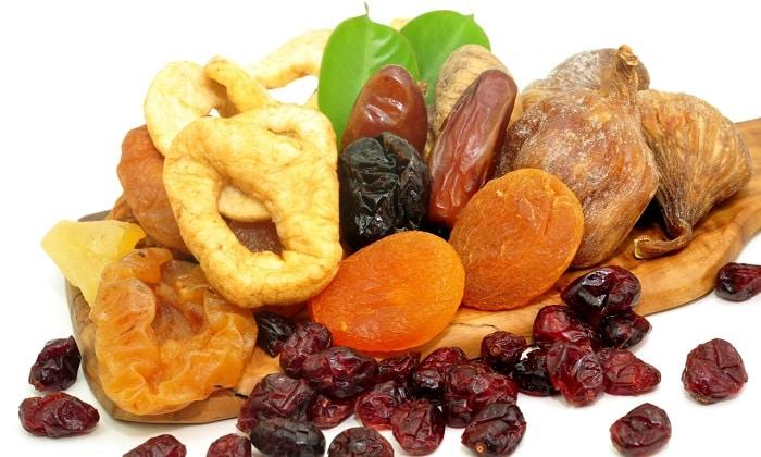При геморрое можно приготовить витаминную смесь из сухофруктов
