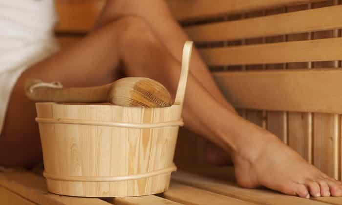 Народная медицина считает, что чередование горячей воды и холода во время посещения бани способствуют снятию симптомов геморроя