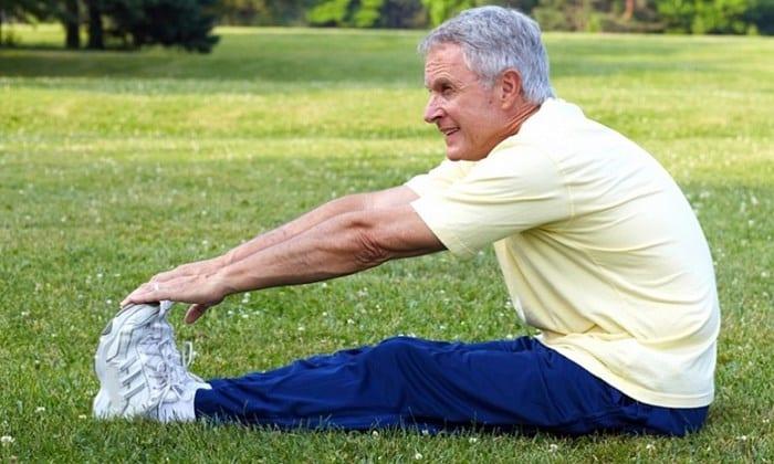 Вне стадии обострения геморроя можно заниматься лечебной физкультурой