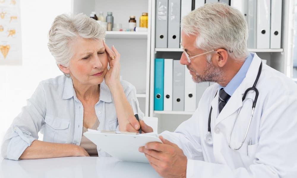 Решение о целесообразности проведения массажа при геморрое должен принимать лечащий врач